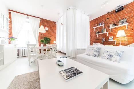 Сдается 1-комнатная квартира посуточно в Москве, Гусятников переулок, д. 4, стр.3.