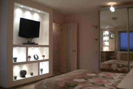 Сдается 1-комнатная квартира посуточно, Вологодская, 25.