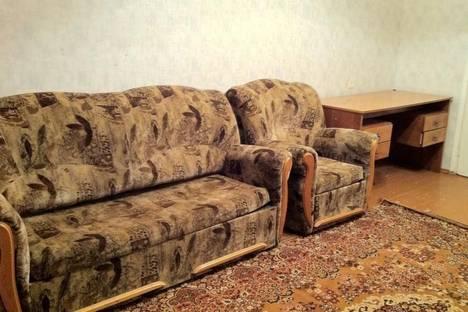 Сдается 2-комнатная квартира посуточно в Северодвинске, ул. Ломоносова, 115.