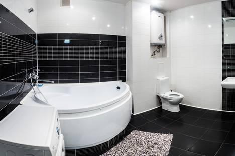 Сдается 1-комнатная квартира посуточно в Казани, ул. Адоратского,  3.