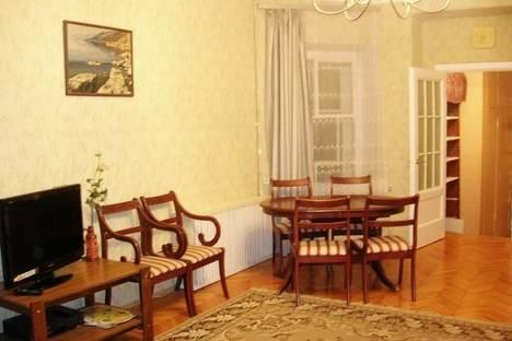 Сдается 3-комнатная квартира посуточнов Санкт-Петербурге, ул. Рубинштейна д. 15-17.