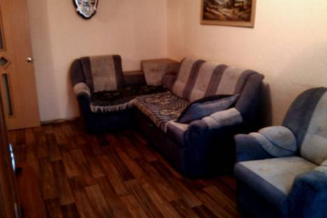 Сдается 2-комнатная квартира посуточно в Ачинске, проспект Лапенкова,  д 44.