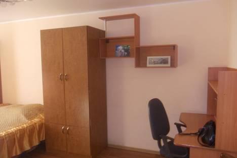 Сдается 1-комнатная квартира посуточно в Саратове, ул.Чернышевского д55а.