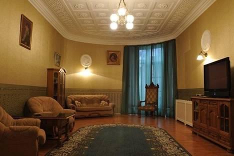 Сдается 2-комнатная квартира посуточнов Санкт-Петербурге, Рузовская, 9.