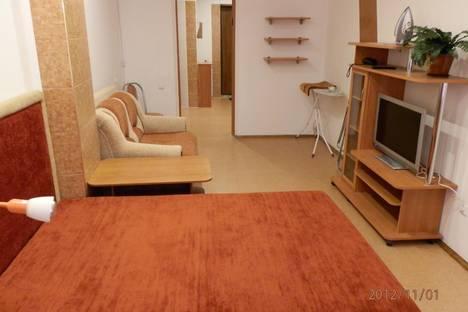 Сдается 1-комнатная квартира посуточнов Екатеринбурге, ул. Металлургов, 18.