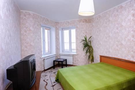 Сдается 2-комнатная квартира посуточнов Омске, Транссибирска 6/1.