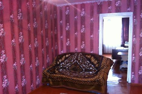 Сдается 2-комнатная квартира посуточнов Тулуне, ул. Ленина 18.