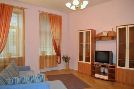 Сдается 4-комнатная квартира посуточно в Санкт-Петербурге, Б. Морская, 13.
