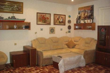 Сдается 4-комнатная квартира посуточно, ул. Некрасова, 60.