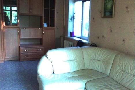 Сдается 1-комнатная квартира посуточнов Новокуйбышевске, Партизанская ул., 132.
