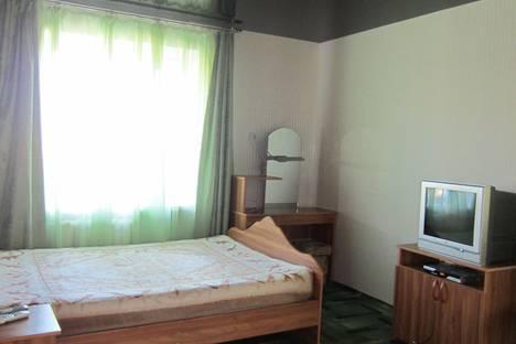 Сдается 1-комнатная квартира посуточно, Ленина 90.