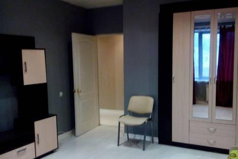 Сдается 3-комнатная квартира посуточно в Перми, ул. Петропавловская, 14.