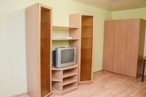 Сдается 1-комнатная квартира посуточно, улица Маклина, 56.