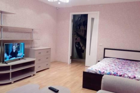 Сдается 1-комнатная квартира посуточнов Кирове, Карла Либкнехта, 13.