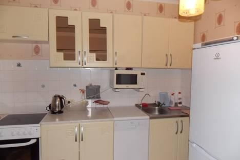 Сдается 1-комнатная квартира посуточнов Тюмени, ул. Широтная, 25.