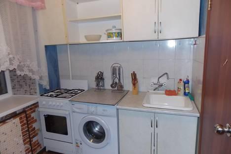 Сдается 2-комнатная квартира посуточнов Тюмени, ул. Мельникайте, 64.