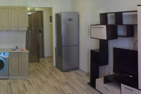 Сдается 1-комнатная квартира посуточнов Санкт-Петербурге, улица Хошимина дом16.
