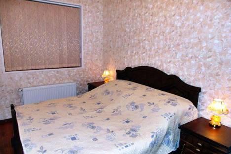 Сдается 2-комнатная квартира посуточно в Кисловодске, ул. Гагарина 8.