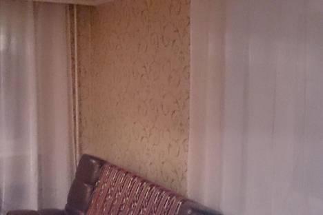 Сдается 1-комнатная квартира посуточно в Прокопьевске, гайдара. 12.