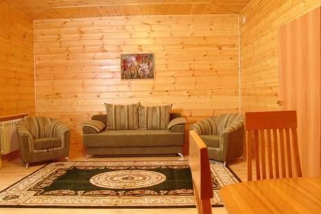 Сдается 2-комнатная квартира посуточно в Зеленой поляне, пос.Зеленая Поляна, ул .Солнечная, 32.