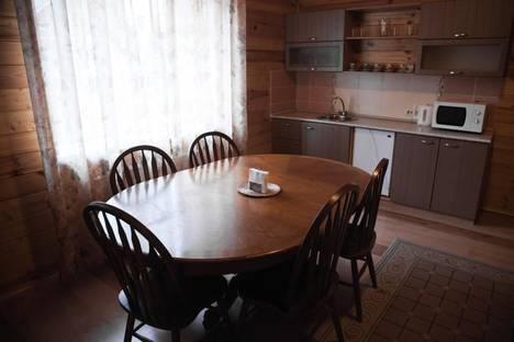 Сдается 2-комнатная квартира посуточно в Зеленой поляне, пос.Зеленая Поляна, ул.Солнечная, 32 корпус 1.