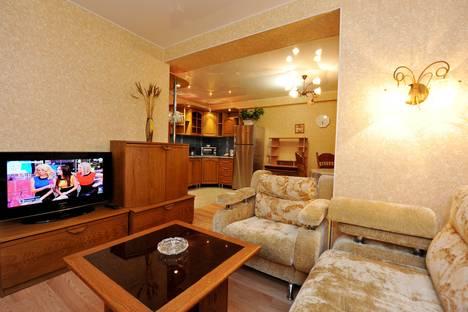 Сдается 2-комнатная квартира посуточнов Волгограде, ул. Краснознаменская, 7.