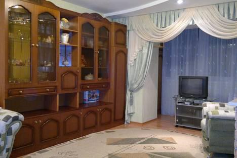 Сдается 3-комнатная квартира посуточно в Дивееве, ул. Комсомольская, 9.