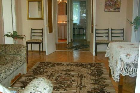 Сдается 4-комнатная квартира посуточнов Киеве, Бул.Леси Украинки,9.