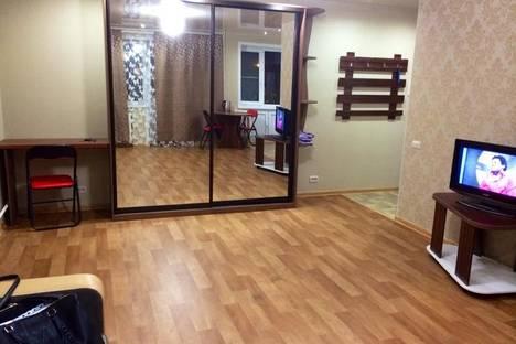 Сдается 1-комнатная квартира посуточнов Кирове, ул. Азина, 80.