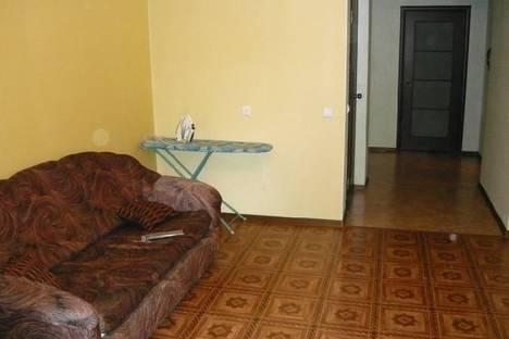 Сдается 2-комнатная квартира посуточно в Кирове, ул. Орджоникидзе д. 9.