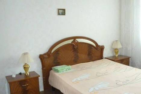 Сдается 2-комнатная квартира посуточно, ул. 60 лет Октября, 44.