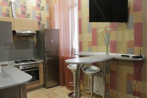 Сдается 2-комнатная квартира посуточно в Твери, ул. Советская, 7.