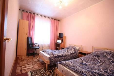 Сдается 2-комнатная квартира посуточно в Кировске, ул. Олимпийская, д. 71.