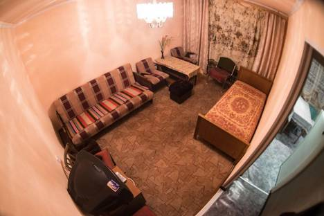 Сдается 3-комнатная квартира посуточно в Кировске, Кирова, 45.