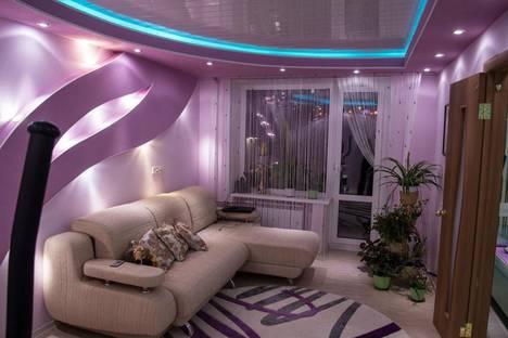 Сдается 2-комнатная квартира посуточно в Кировске, 50 лет Октября д. 29.