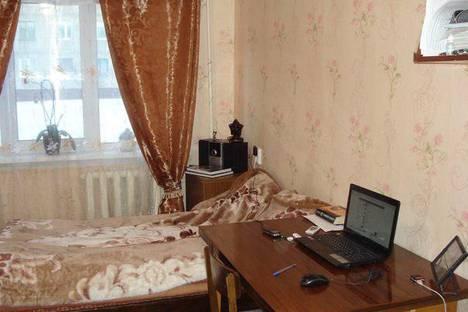 Сдается 1-комнатная квартира посуточно в Кировске, Советской Конституции 7.