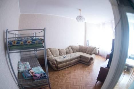 Сдается 2-комнатная квартира посуточно в Кировске, Олимпийская 57.