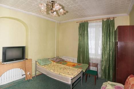 Сдается 2-комнатная квартира посуточно в Кировске, Кирова, 24.
