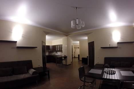 Сдается 3-комнатная квартира посуточно, ул. Карачаевская, 60.
