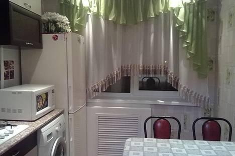 Сдается 1-комнатная квартира посуточно в Волжском, ул. Александрова, 8.