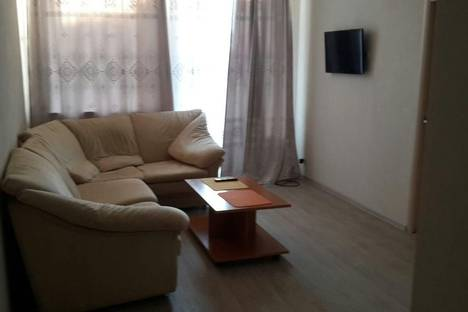Сдается 2-комнатная квартира посуточно в Железногорске, ул. Комсомольская, 29.