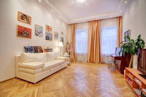 Сдается 2-комнатная квартира посуточнов Санкт-Петербурге, переулок Свечной, 20.