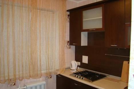 Сдается 3-комнатная квартира посуточно в Пензе, ул. Калинина, 76.