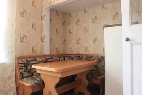 Сдается 1-комнатная квартира посуточнов Прокопьевске, Коммунальная 7.