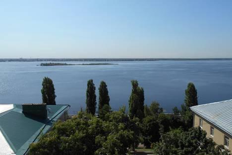 Сдается 1-комнатная квартира посуточно в Саратове, ул. им Чернышевского Н.Г., 132.