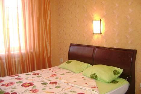 Сдается 2-комнатная квартира посуточно в Магнитогорске, проспект Карла Маркса, 43.