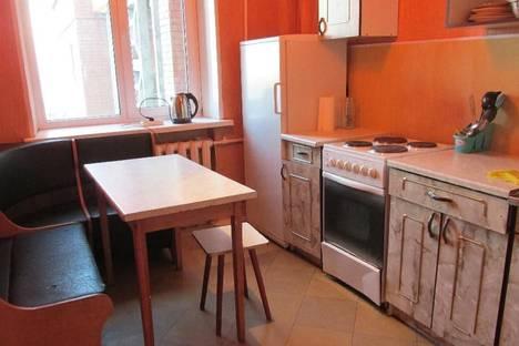 Сдается 2-комнатная квартира посуточно в Днепре, ул. Запорожское шоссе 40.