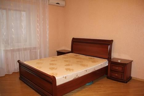 Сдается 3-комнатная квартира посуточно в Тюмени, ул. Фабричная, 1.