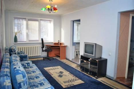 Сдается 2-комнатная квартира посуточно в Златоусте, 3 микрорайон 16.