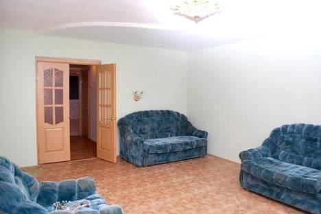 Сдается 2-комнатная квартира посуточно в Златоусте, ул. им Степана Разина, 25.